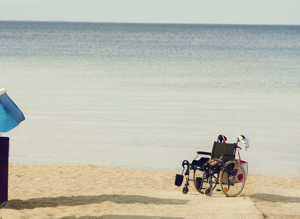 wheelchair access to beach